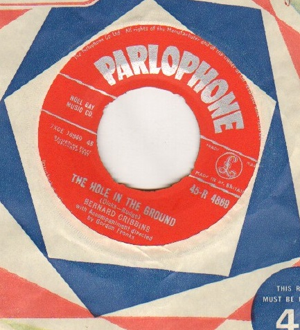 BERNARD CRIBBINS - HOLE IN THE GROUND - 45T (SP 2 titres)